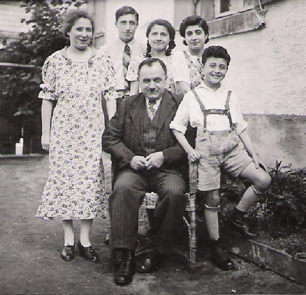 Rebecca, Hugo, Laure, Margot, Heinrich and Manfred Wildmann, Philippsburng, 1938