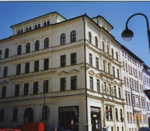 2000 – 7 Thomasius Strasse.  A photographer replaced Mr. Lehmann's grocery store
