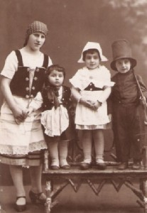 Laure, Margot, Hugo, Purim 1927